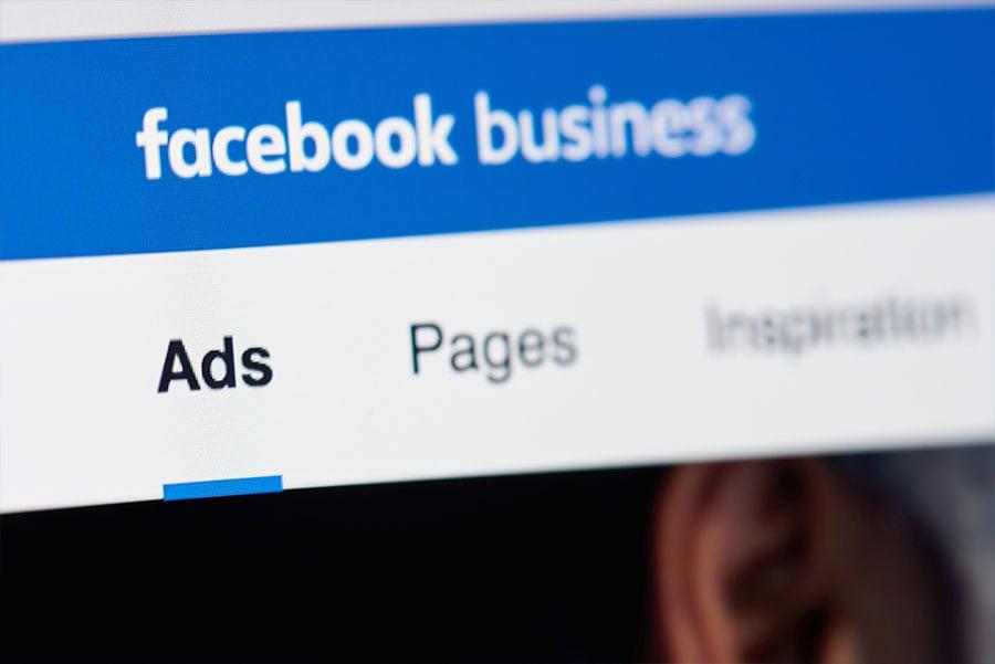 La transparencia en páginas y anuncios es ahora una de las nuevas características en Facebook que brinda información a los usuarios acerca de los anuncios que una página tiene activos
